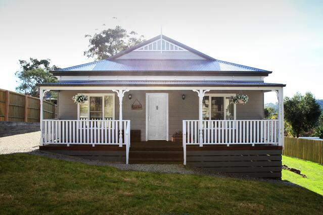 Building on a sloping block - Avoca Design