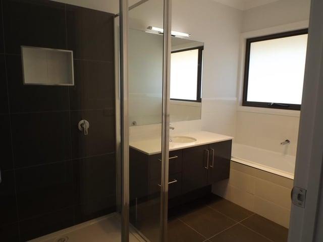 Swanbuild-Bathroom.jpg
